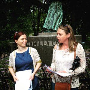Byvandrings-ansvarlige: Tone Brekke og Trine Rogg Korsvik. (Foto: Marie Alming)
